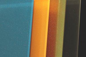 Lackiertes Glas Glitter Effekt